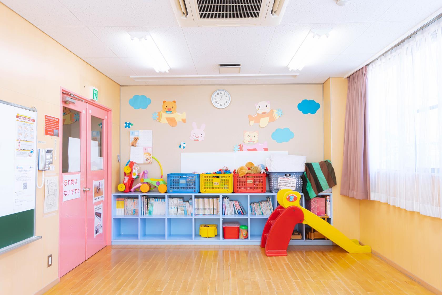 1F 児童室